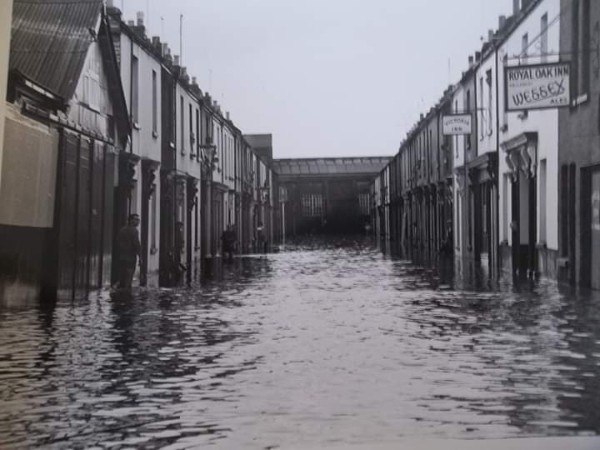 Floods Exmouth 1960