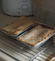 Mince beef and onion pies