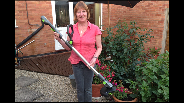 Looking For A New Cordless Grass Trimmer? The GTech ST20 Cordless Certainly Gets Top Marks From Me!