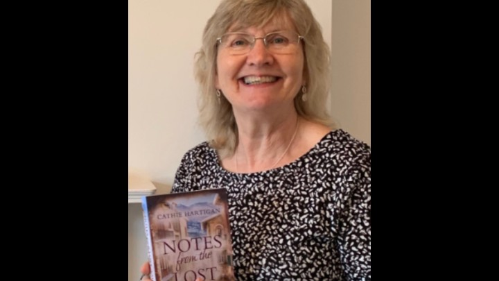 Synopsis Of Notes From The Lost by  Cathie Hartigan
